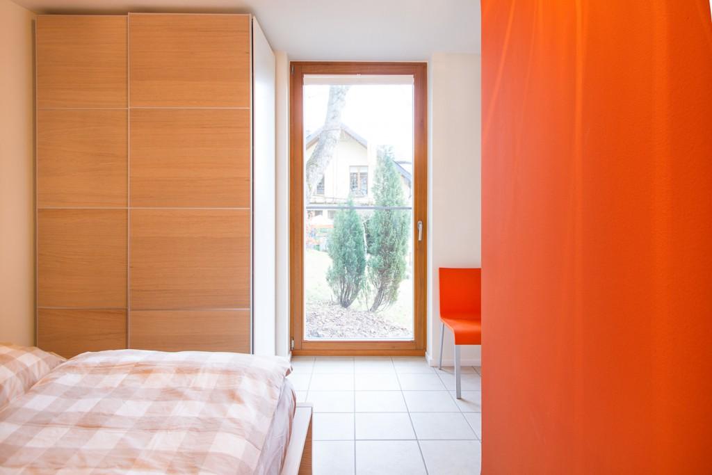 """Schlafzimmer """"Orange"""" im Obergeschoss"""